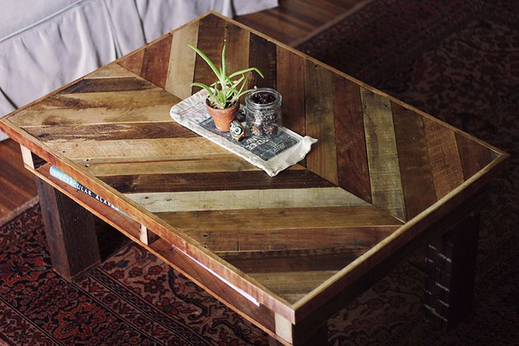 pallet table...