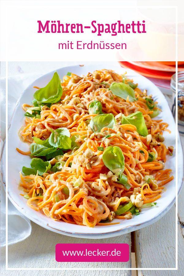 Leicht, lecker, würzig: Die Gemüsespaghetti aus Möhren werden als …  – Low Carb-Rezepte