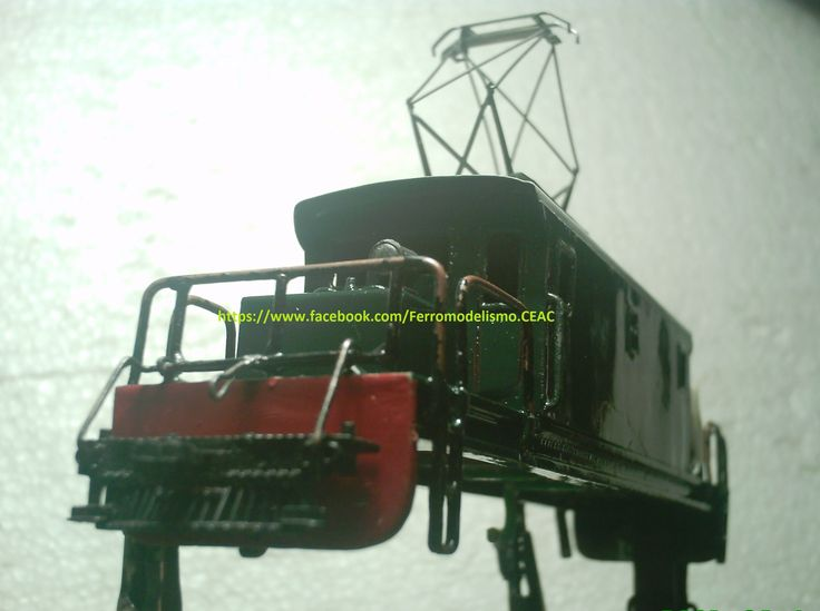 Proceso de construcción de una unidad de la categoría <<Steeplecab Electric Locomotive>> Baldwin-Westinghouse, Chilean Railways class 23.___________ Model of Steeplecab Electric Shunting Locomotive, all metal, operating pantographs, 2 Headlight's, bells,  pilot's and more.