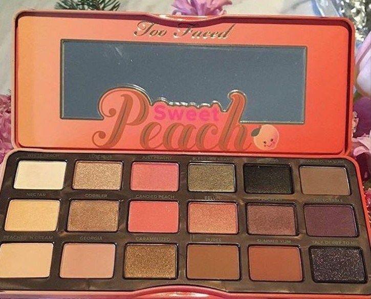 cliomakeup-pesca-trucco-colore-frutto-abbinamenti-prodotti-occhi-labbra-viso-palette-too-faced-sweet-peach