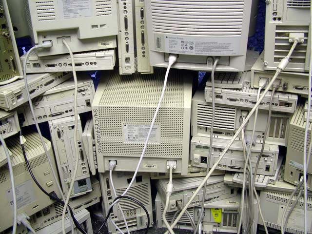 computer_installation_11.jpg (640×480)