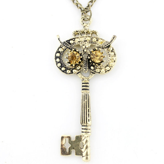 Idea for how to decorate keys .... Exquisite Goldtone CRYSTAL Owl Key Pendant by JuliesJewelryStore,