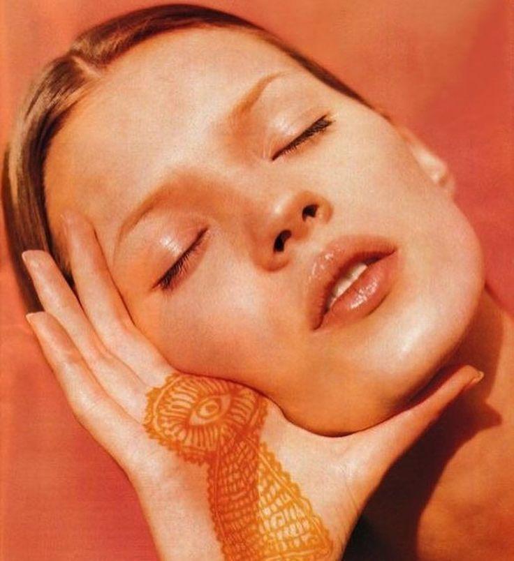 Kate Moss (1993) | ph. Albert Watson