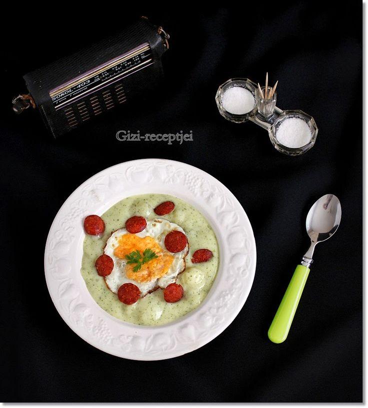 Gizi-receptjei.  Várok mindenkit.: Petrezselymes krumplifőzelék tükörtojással és kolb...