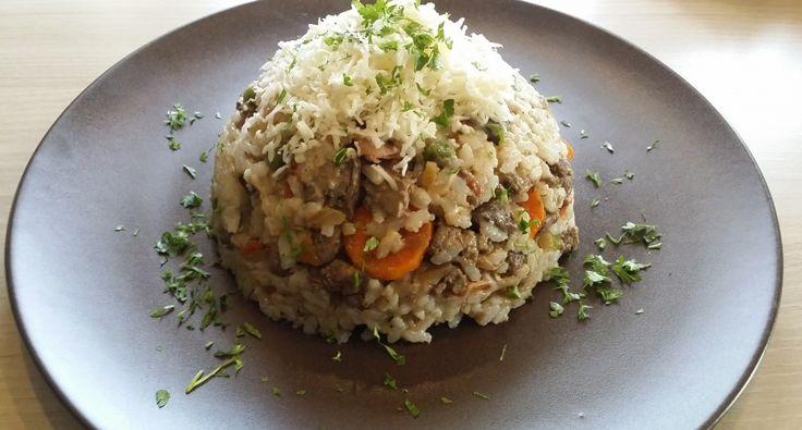 Azért szeretem ezt a csirkemájas rizs receptet készíteni, mert a lányom egyik kedvenc étele. Könnyű, és viszonylag hamar elkészíthető. Íme a recept ! :)