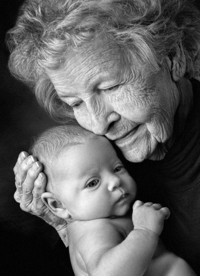 mooie,lieve,gave foto's hoogste tijd om zelf weer aan de slag te gaan..... - Babies and old people have a lot of time on their hands. That's probably why they get along so well...lol... A baby does not recognize the depth of the wrinkles or the texture of the skin..all they feel is safe, secure and adored by the old hands that hold them near..a bond like no other