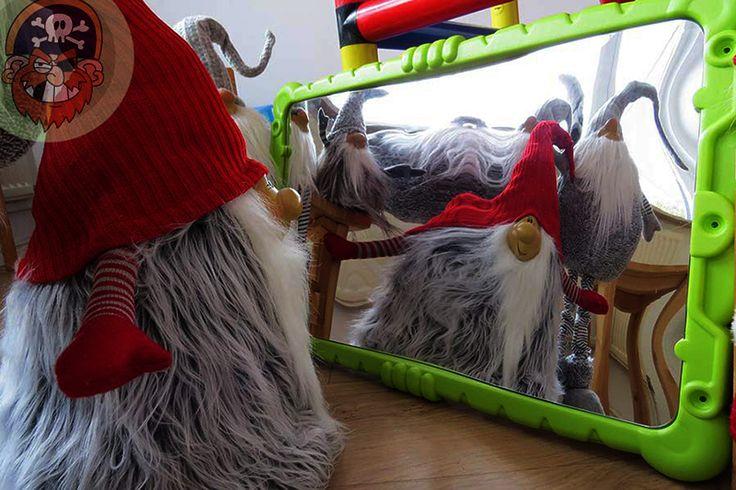 Verzerrender Spiegel  #kinderspiegel verzerrend mit #Wichtel ... für das Spielzimmer oder das Spielhaus. Ein richtiger Spaß für Kinder wie auf dem Rummel