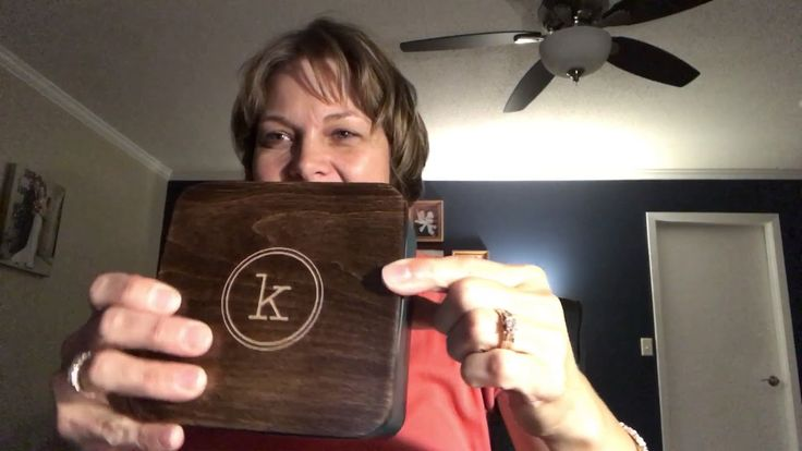 Thirty-One Gifts Treasure Tin Check out this new tin! Makes a perfect gift for that hard to buy person on your list. Kristin Moses Thirty-One Consultant www.mythirtyone.com/kristinmoses #thirtyonegifts #tin #gift #present #monogram #personalize #peacock #wood #joinme #Christmas #gifting #ilovemyjob #smalltowngirl #momboss #wahm #sahm #bosslady #momlife #mom