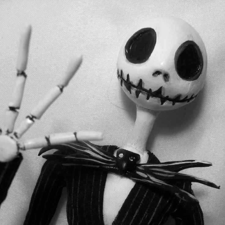 Привет, я Джек Скеллингтон.  Я Повелитель Тыкв.  С наступающим Вас!  #джекповелительтыкв #хеллоуин #джекскеллингтон  #halloween #jackskellington #hendmade #хендмейд #ручнаяработа #кукла
