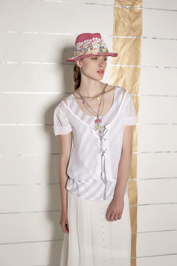 #danieladallavalle #collection #ss16 #elisacavaletti #tshirt #necklace #hat #jewellery #stripes #beige #gold #white #yellow #pink #purple #fluo #details