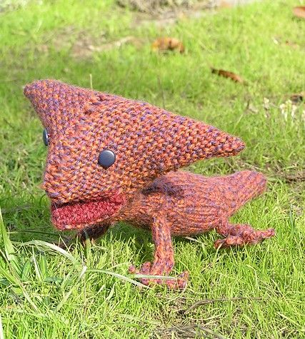 Mini Dinosaur Knitting Pattern : 1000+ images about Knitted animals on Pinterest