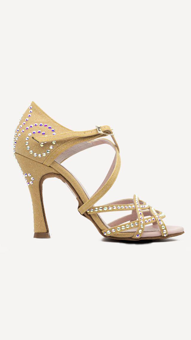 😍❤️💕 Nueva colección Competition Volga !!!😍 😍 Disponibles en venta online y tiendas oficiales!! 🛍🛍 #QueBonitosPorFavor #AmiMeDaAlgo #MisZapatosSonHermosos #HechosaMano #SoloMios #PasionPorLaModa #ElArmarioDeMiVida #ZapatosUnicos #AnitaPearl #ZapatosReina #LaReinaDeMiArmario #musthave #dance #dancers #danceshoes #sandalias #custom #ilovedance #sandals #fashion #moda #style #salsa #rumba #essentials