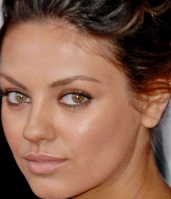 【画像特集】ミラ・クニス、左右の目の色の違いが分かるまとめ | ☆ハリウッドスターネット★海外セレブのゴシップニュース&芸能情報