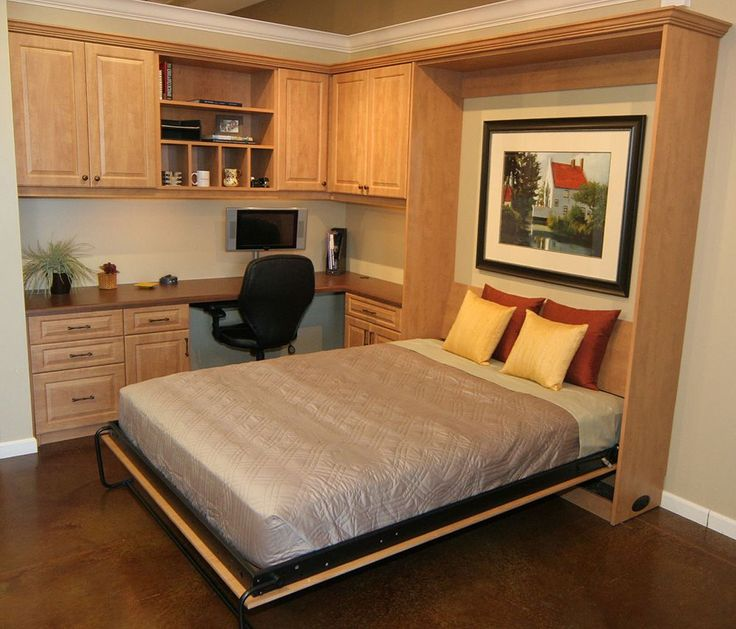 Murphy Bed home office- work even when you have guests (although you might want to wait until they get up!) http://www.closet-doctor.com/murphy-beds-photo-gallery