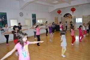 http://www.stop-and-dance.ro/blog/baletul-perfect-pentru-dezvoltarea-copilului
