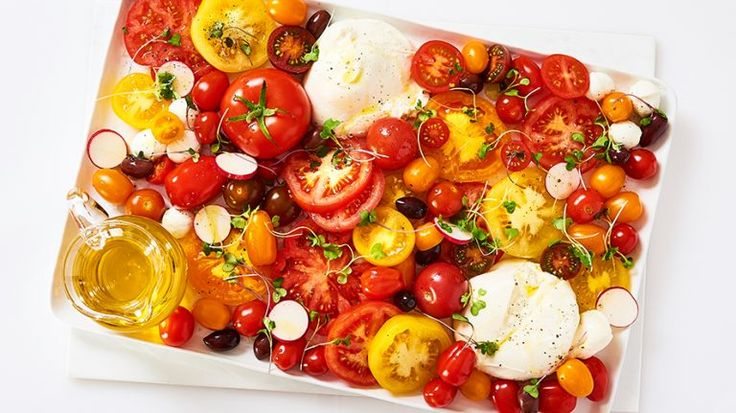 Celebrate summer with this perfect-for-company, easy and delicious Tomato, Burrata Cheese & Kalamata Olive Salad. Ingredients 3 pounds assorted fresh r
