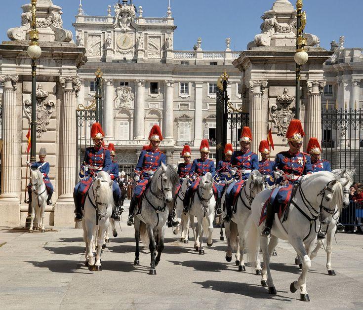 Palacio Real De Madrid  horse guard