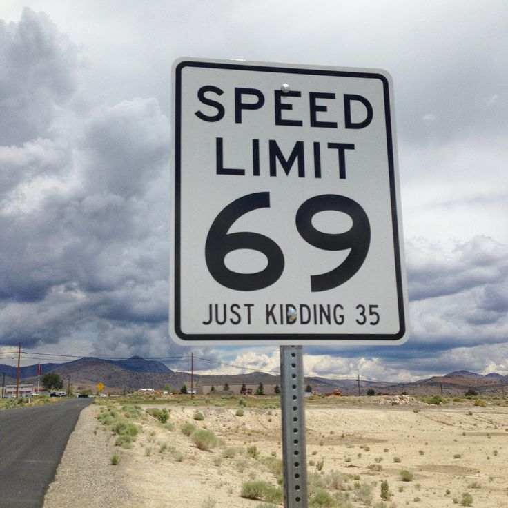 https://flic.kr/p/tnoJrm | Speed Limit Sign on the road to the Moonlite BunnyRanch. Carson City, NV.