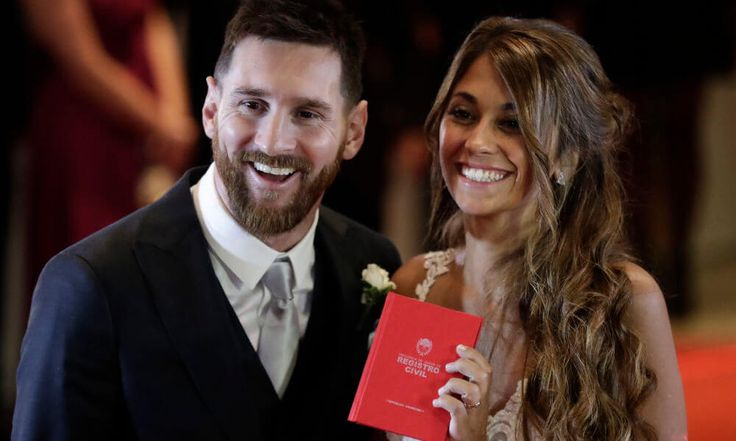 Leo Messi and wife donate leftover wedding food and drinks = Last Friday, Barcelona and Argentina star Lionel Messi married his childhood sweetheart Antonella Roccuzzo in their hometown of Rosario, Argentina, with 260 guest in attendance. Nothing went to waste either, as the newlyweds.....
