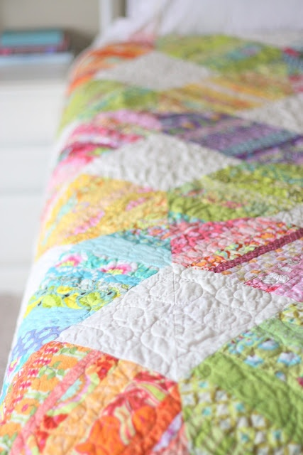 I am so taken by this quiltPretty Bright, Beautiful Quilts, Quilt Drool, Quilt Colors, Pretty Things, Pretty Colours, Nice Colors, Quilt Crazy, Charli Stuff