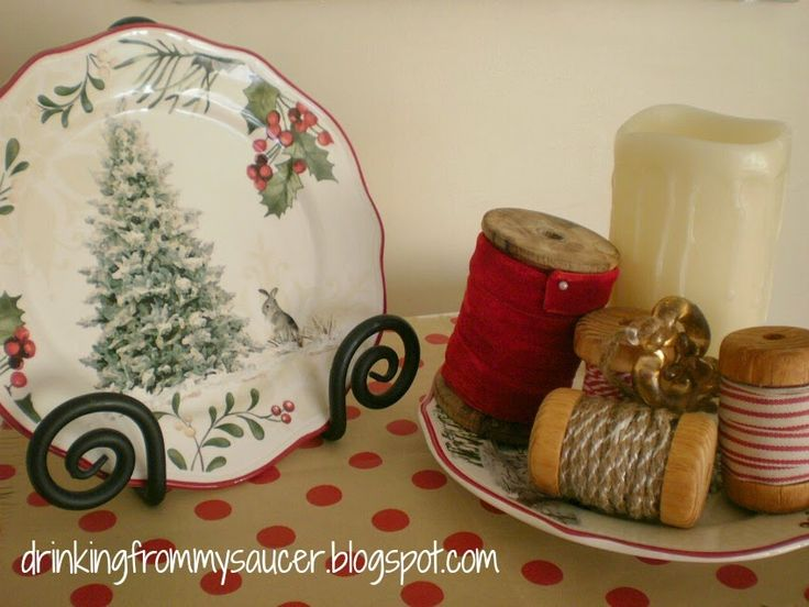 Drinking From My Saucer {'cause my cup has overflowed!}: DIY - A Wrapping Paper Placemat/Runner