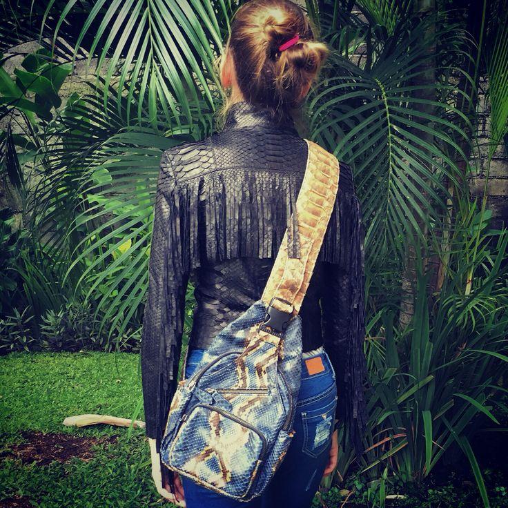 С приходом тепла, мы начнем больше путешествовать, гулять на улице с детьми, встречаться с друзьями. Удобный рюкзачок из кожи питона отличный выбор для прогулок и путешествий. Изготовим на заказ в любом цвете. #рюкзак #рюкзакизкожипитона #рюкзаквдорогу #рюкзачок #кожапитона #мода #удобныйрюкзак #длямам #впутешествие #чтоподарить #fashion #backpack