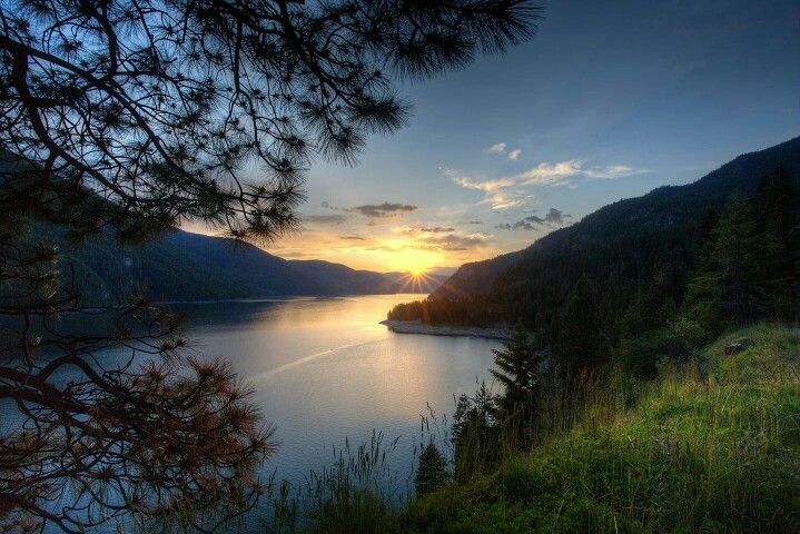Arrow Lake Castlegar BC Canada
