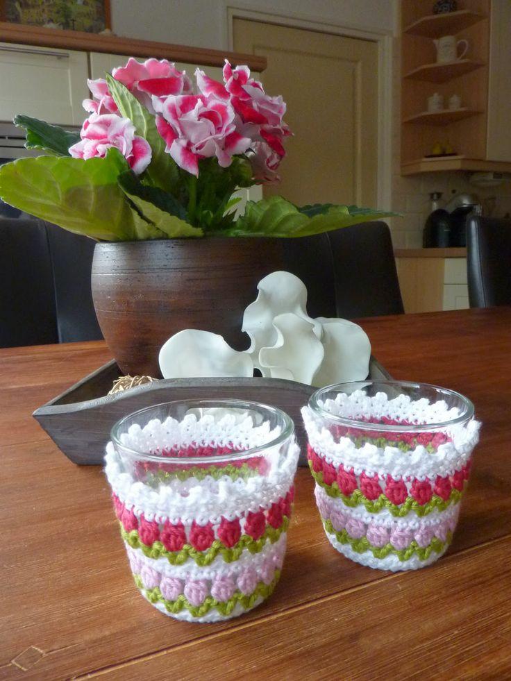 Jannies Hobbyhoek: Waxinelichtjes met tulpenrandje. ~ free pattern