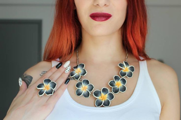 Amazing most fav blogger Vana Papadopoulou wearing a plumeria kira set of jewels