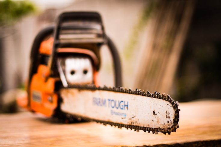 Maintenance, safety, repairs, and tips on a small gas chainsaw