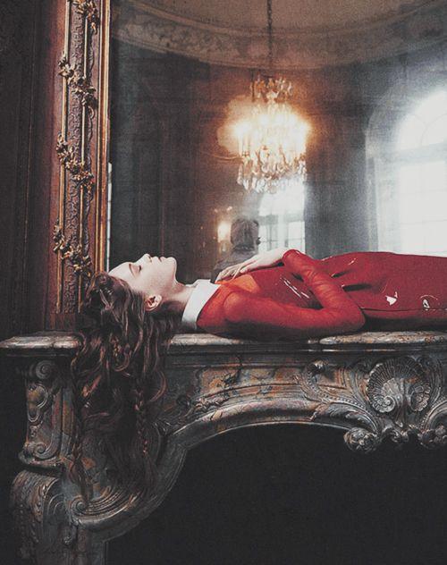 a . p o e t i c . d e a t h | of a crimson heart |