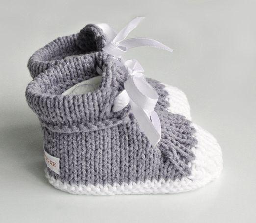 Chaussons tricotés, Baskets tricotés pour bébé est une création orginale de feetricoteuse sur DaWanda