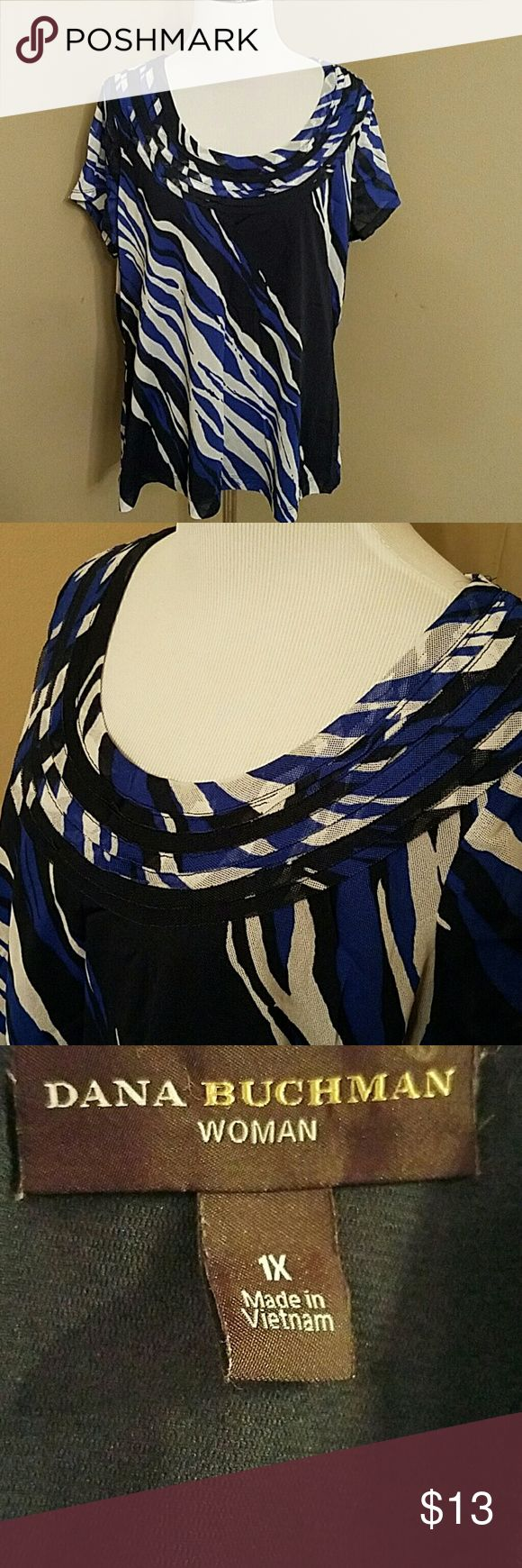 Dana Buchman top Size 1x blue black and cream short sleeve top.  Lined  with th3 exception of the sleeves.  In great condition. Dana Buchman Tops Tees - Short Sleeve