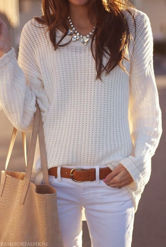 Adorable knitted oversized sweater, white pants and handbag for fall