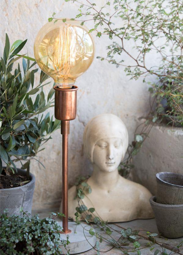 Lampe à poser Hugo Small - cuivre - watt & VEKE #steampunk #design #retro #decoration #interior #luminaire #light http://www.uaredesign.com/lampe-poser-hugo-33-watt-veke-cuivre.html