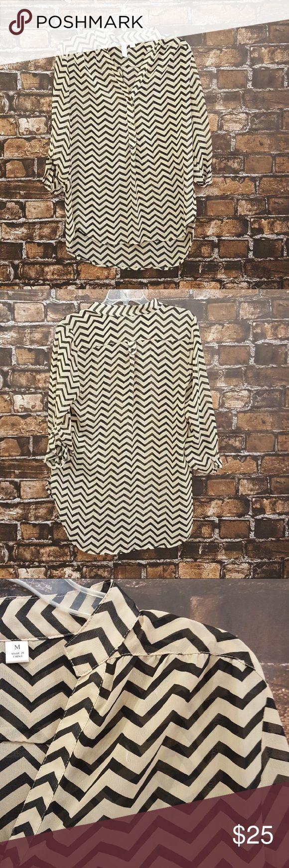 Tacera women's chevron top! Medium. Black and nude chevron top! Half collar with buttons half way down! (WT 1080) Tacera Tops Blouses