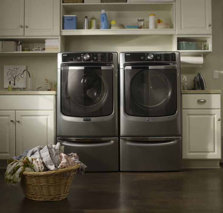 The Maytag® washer with the Fresh Hold® option tumbles to help keep forgotten clothes fresh up to 12 hours. Pair with a Maytag® dryer for America's most dependable duo.
