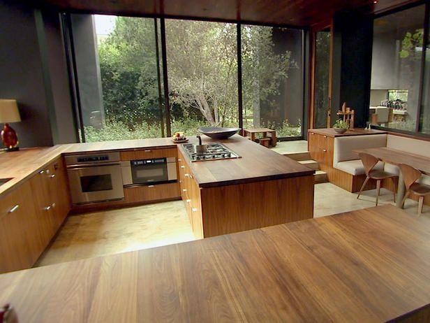 HGTV's Top 10 Eat-In Kitchens: Hgtv Kitchens, Brown Kitchens, Tops 10, Kitchens Pictures, 10 Eating In, Hgtv S Tops, Modern Kitchens, Backyard Pools, Eating In Kitchens