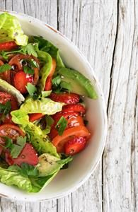 Jordbær/tomatsalat