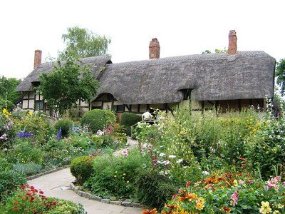 Decor To Adore: All Things Irish~ Thatched Roof Cottages Shakespeare's Ann Hathaway cottage