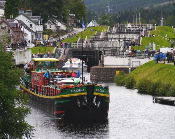Caledonian Discovery's Ros Crana leaving Fort Augustus locks.