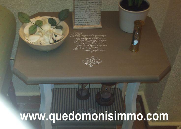 Mesa de madera de pino sin tratar decorada con pintura a for Pintura color topo
