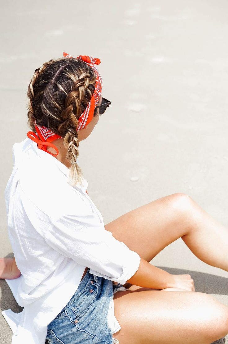 5 Methods To Put on A Bandana Scarf In Your Hair