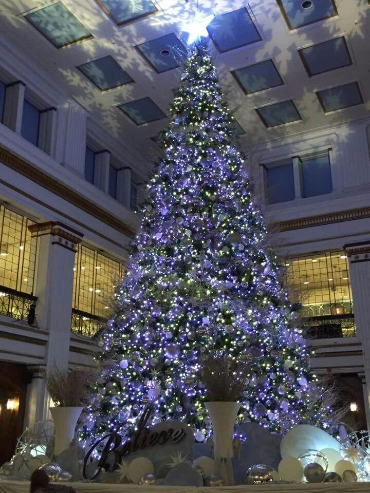 Macy's Chicago Christmas tree 2016