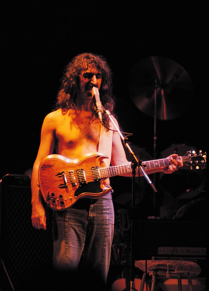 frank zappa playing guitar - Google Search | Frank Zappa | Pinterest