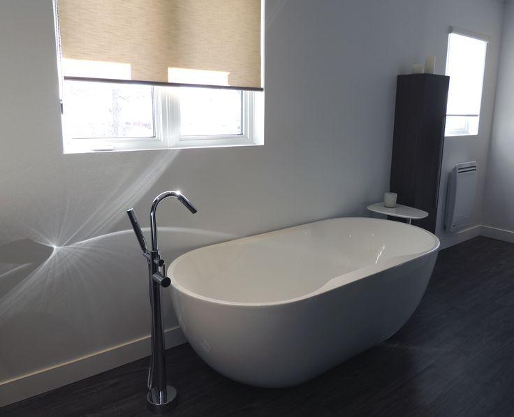 Rénovation d'une salle de bains : installation d'un bain autoportant