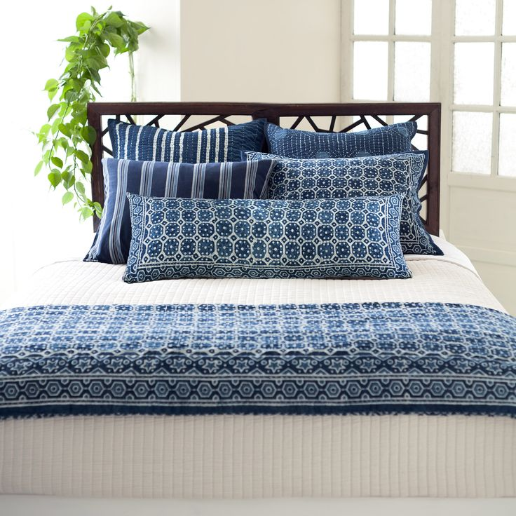 Pine Cone Hill Resist Octagon Coverlet @LaylaGrayce