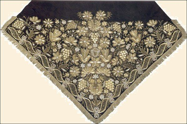 """Female festive head scarf, embroidered in gold """"bityu."""" Russian. Nizhny Novgorod province. The beginning of the XIX century The Russian Museum of Ethnography"""
