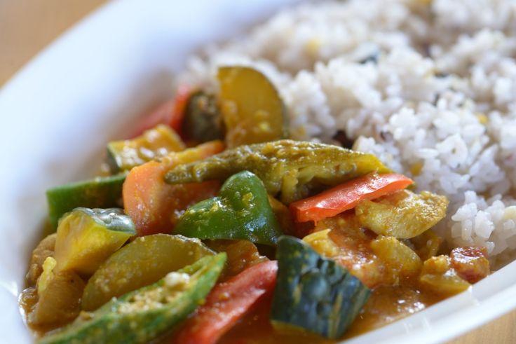 元気野菜のカレーは彩り鮮やか
