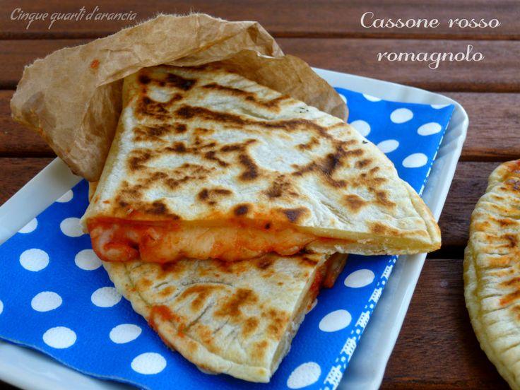 Ilcassone rosso è una spettacolare ricetta tipica della cucina romagnola che non conoscevo e che mi ha subito conquistato!! Io adoro la cucina romagnola,